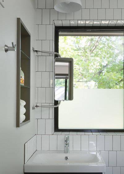 Contemporary Bathroom by Rick & Cindy Black Architects
