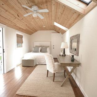 Immagine di una camera da letto scandinava