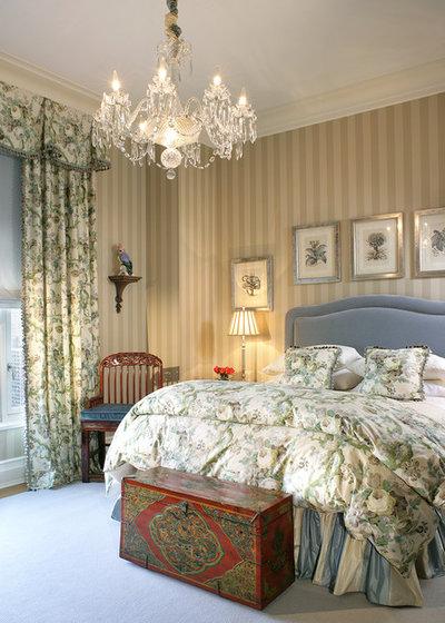 Victorian Bedroom by Treby Spanedda Interiors
