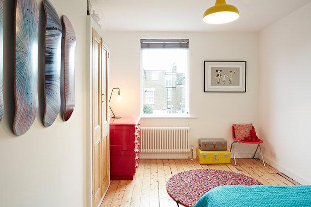 Contemporary Bedroom by ARCHEA Ltd