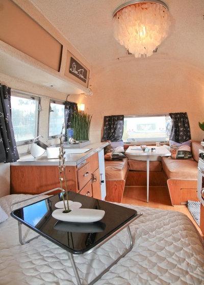 Modern Bedroom 1960 Airstream Carvel interior