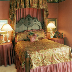 Traditional Philadelphia Canopy Bed Bedroom Design Ideas