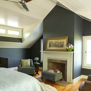 Bedroom - cottage bedroom idea in New York with gray walls