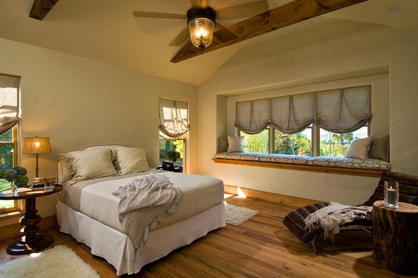 Rustic Bedroom by Witt Construction