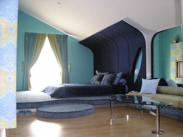 Bedroom by EJ Square Design Pte Ltd