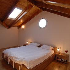 Mediterranean Bedroom by NURIT GEFFEN-BATIM STUDIO