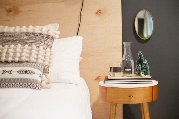 Midcentury Bedroom by Margaret Wright Photography