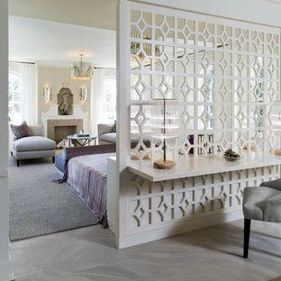 トロントのコンテンポラリースタイルのおしゃれな寝室 (コンクリートの床)
