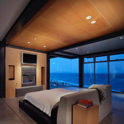 modern bedroom by David Gray Architects