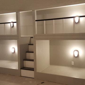 4 built in bunk beds