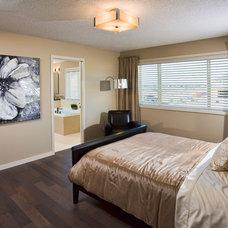 Contemporary Bedroom by Cedarglen Homes