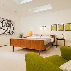 Modern Bedroom by FJU Photography