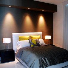 Modern Bedroom by Guimar Urbina   KIS Interior Design