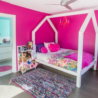 ダラスのモダンスタイルのおしゃれな寝室のレイアウト
