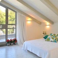 Bedroom by NURIT GEFFEN-BATIM STUDIO