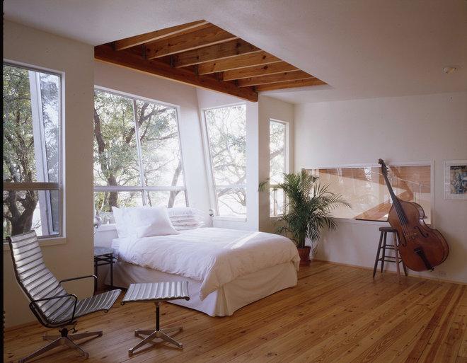 Modern Bedroom by Richard Wintersole Architect