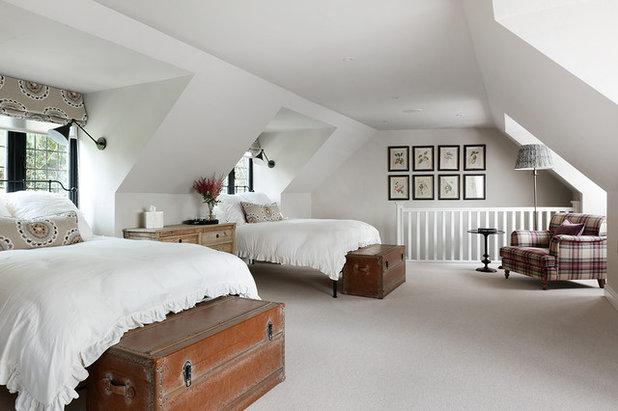 Traditional Bedroom by Studio Duggan Ltd