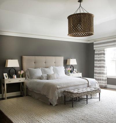 トランジショナル 寝室 by Dalia Canora Design, LLC