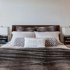 Modern bedroom for Linda platform customizable bedroom set