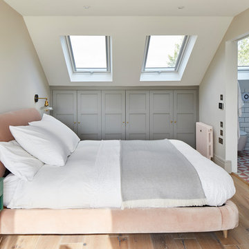 A rear dormer into 1 bedroom and 1 bathroom - W7