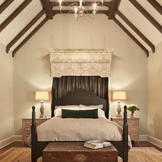 Traditional Bedroom by Gelotte Hommas Architecture
