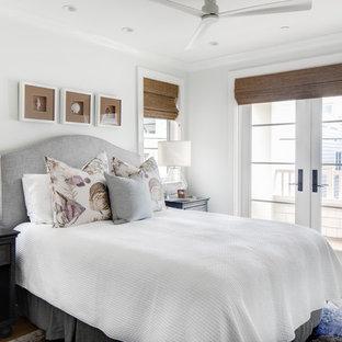 Idéer för att renovera ett maritimt sovrum, med vita väggar