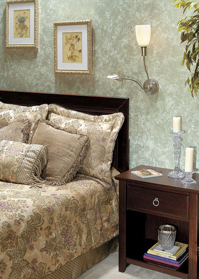 Классический Спальня by 1800Lighting