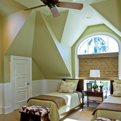 Bedroom - tropical guest carpeted bedroom idea in Orlando with green walls and no fireplace