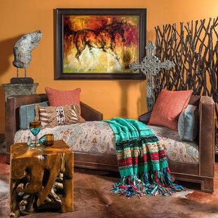 Diseño de habitación de invitados de estilo americano, pequeña, sin chimenea, con paredes amarillas, suelo de baldosas de cerámica y suelo rojo