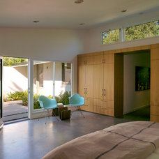 Midcentury Bedroom by Modal Design