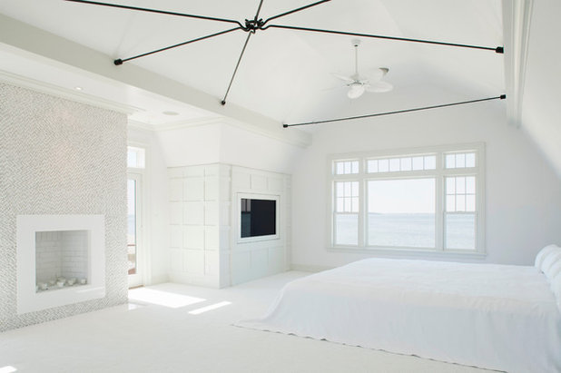 Contemporary Bedroom by Akke Woodworks