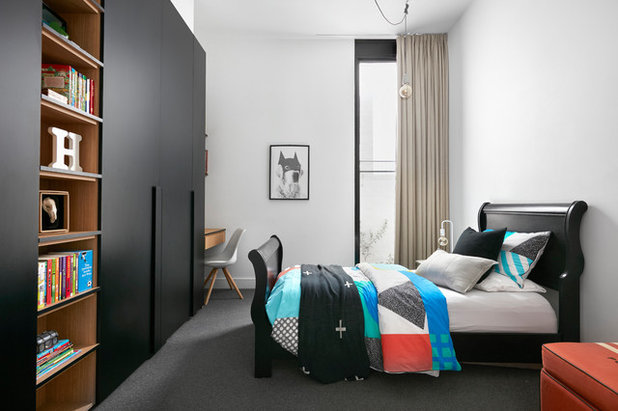 Traditional Bedroom by MAYD Group Pty Ltd