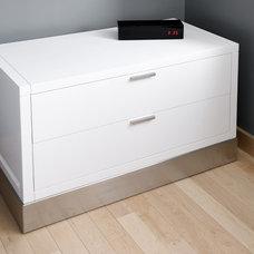 Contemporary Bedroom by Gepetto