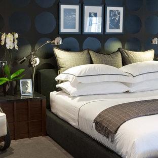 Bild på ett funkis sovrum, med svarta väggar