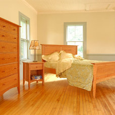 Traditional Bedroom by VERMONT WOODS STUDIOS