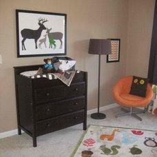Modern Bedroom by Anita Roll Murals