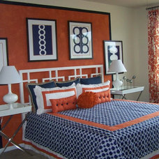 Modern Bedroom by Anita Roll Murals