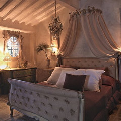 traditional bedroom antique bedroom
