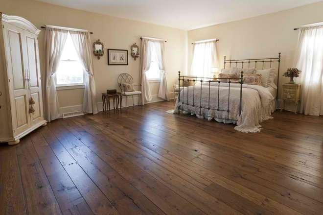 Traditional Bedroom by Olde Wood Ltd.