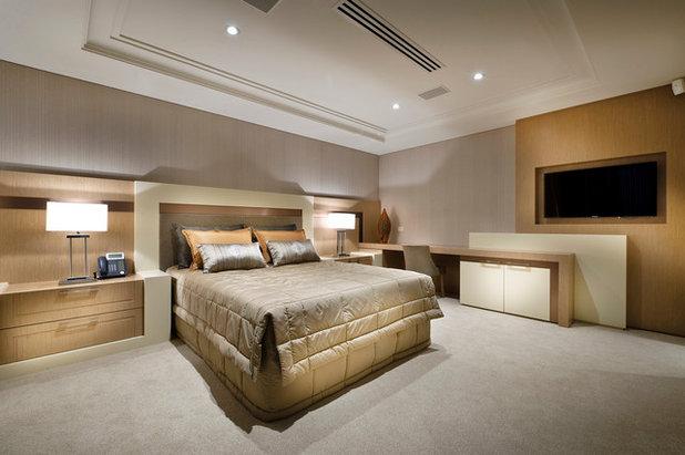 Contemporary Bedroom by Zorzi