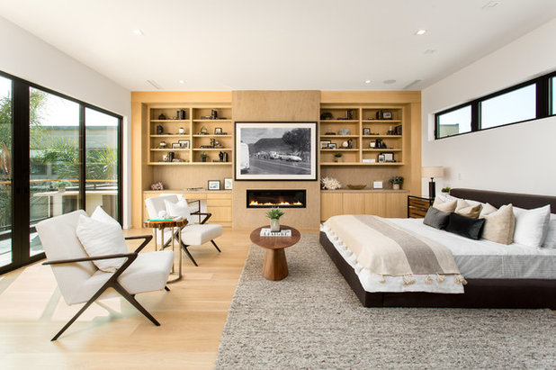 Contemporary Bedroom by Peters Architecture