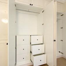 Traditional Bedroom by AKL Designer Kitchens