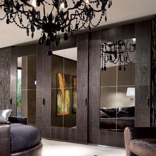 Bedroom - huge modern bedroom idea in Brisbane