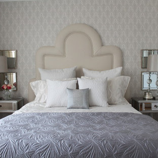 Inspiration for a transitional master light wood floor bedroom remodel in Montreal with gray walls and no fireplace