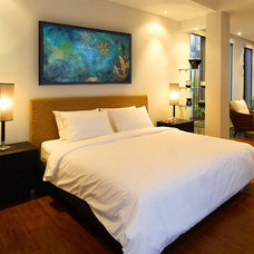 Contemporary Bedroom by becoming studios
