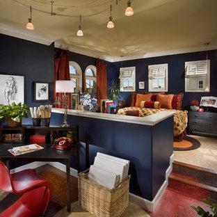 Ejemplo de dormitorio tipo loft, actual, grande, sin chimenea, con paredes azules y suelo de corcho