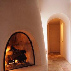 Mediterranean Bedroom by Zak Johnson Architects