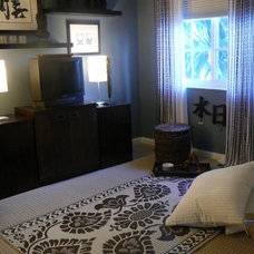 Asian Bedroom by FOCAL POINT STYLING