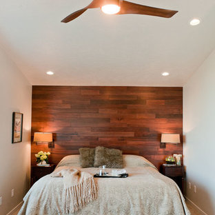 Large asian master bedroom in Seattle with grey walls and carpet.
