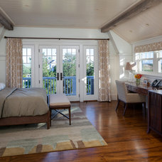 Beach Style Bedroom by Patrick Ahearn Architect